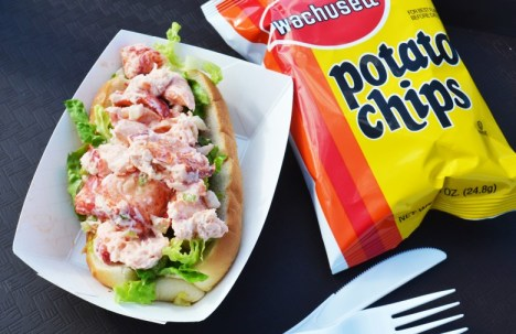 bob-lobster-roll-plum-island-780x505.jpg