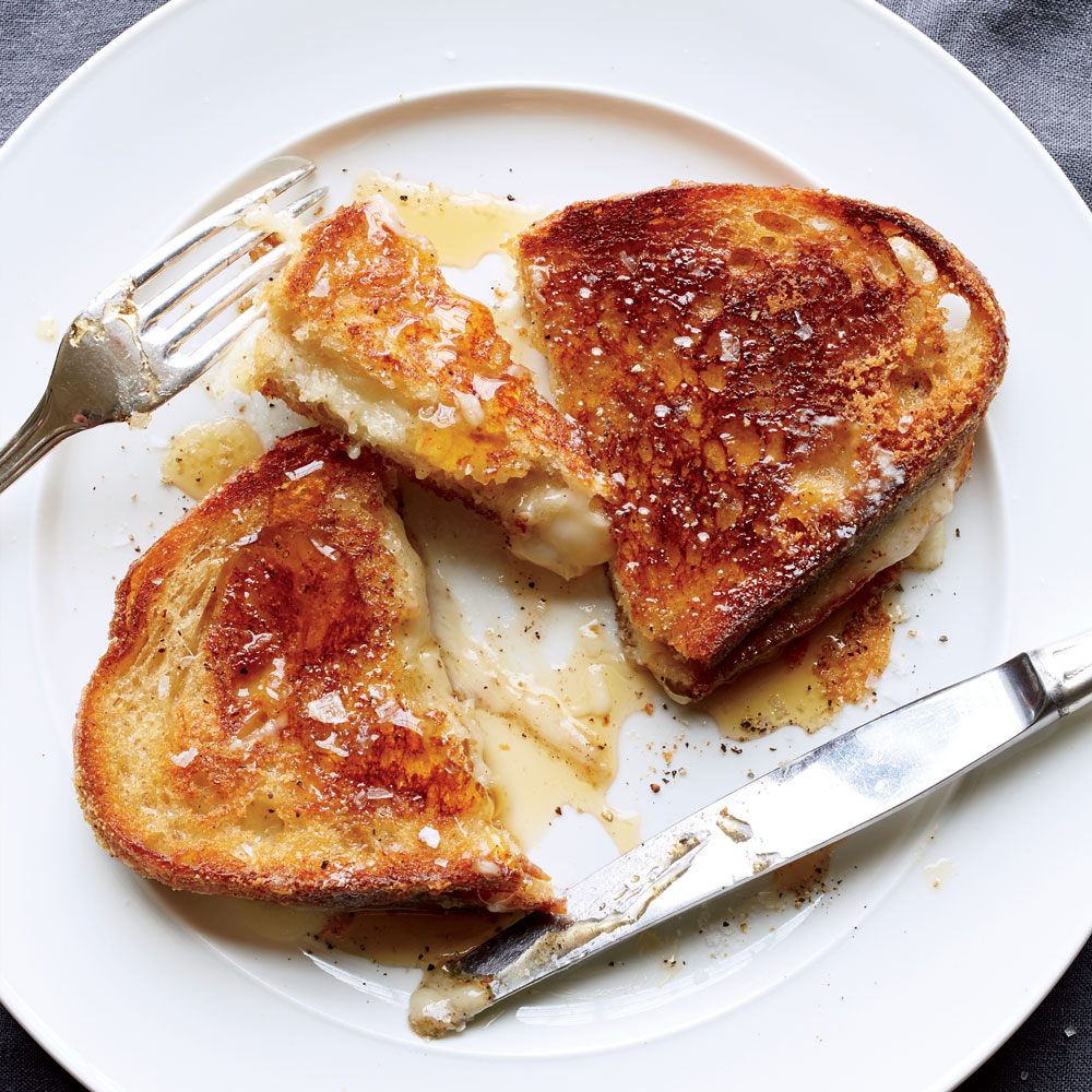 knife-and-fork-grilled-cheese-with-honey-XL-RECIPE0517