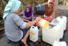 Photo of Kemarau  Sebabkan Sumur Warga Lombok Timur  Kekeringan.