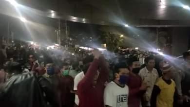 Photo of Masyarakat Demo, Jenazah Covid-19 Terpaksa Dilepas Pihak RSUD Mataram