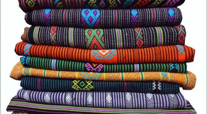 Oleh – Oleh Kain tenun Lombok