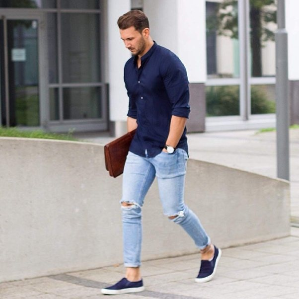Are blue T-shirt. blue jeans. and blue shoes good to wear? - Quora