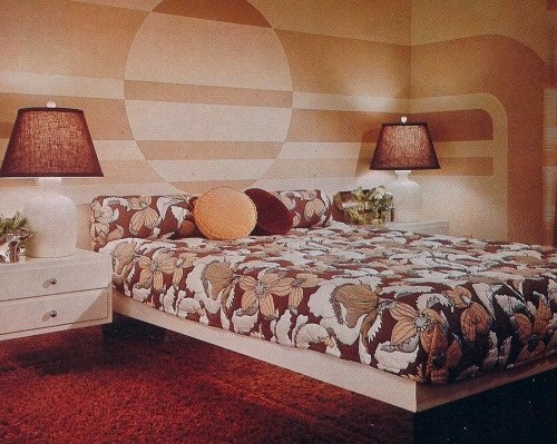 How To Decorate A Bedroom With A 1970s Theme Quora