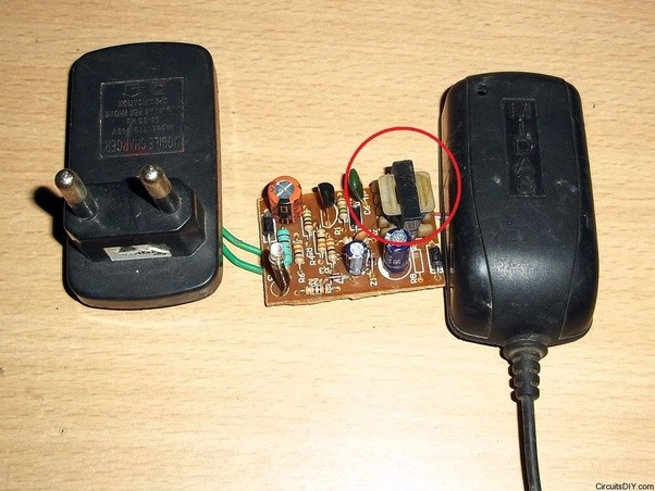 Ac 220v Schematic Wiring How The Size Of A Transformer In Cellphone Charger Is Much