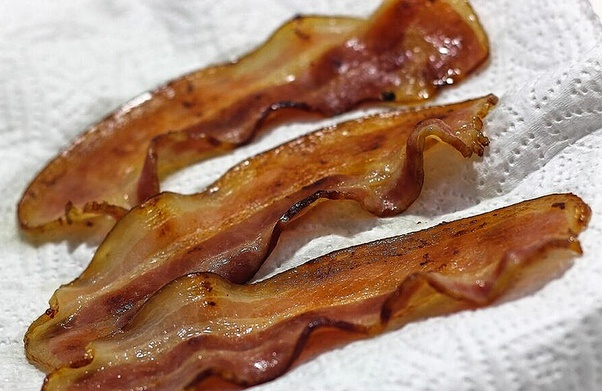 how to cook bacon in the microwave with