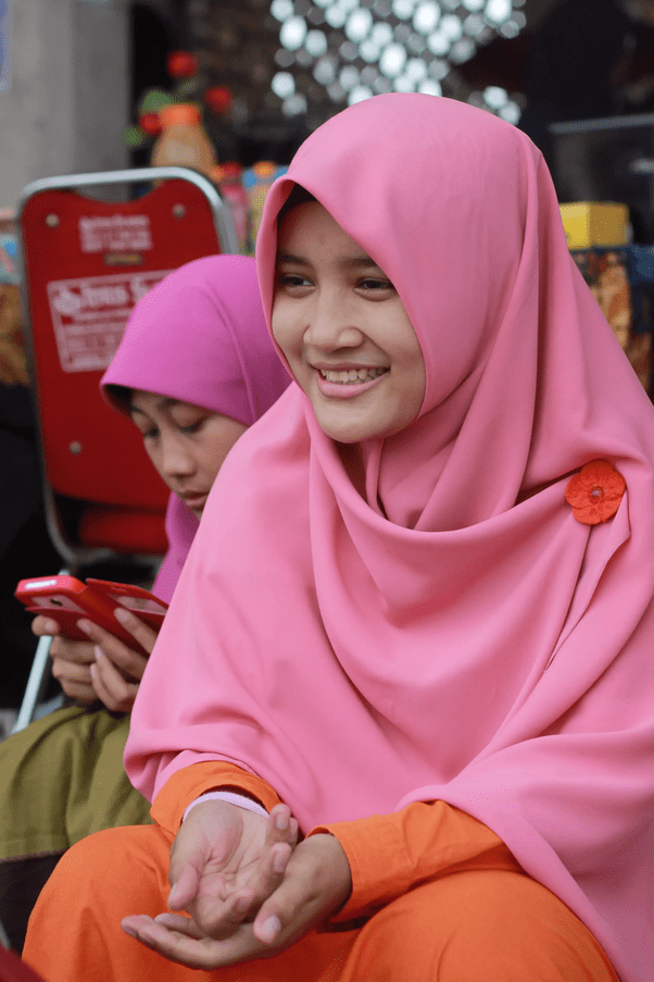 hijab (n.) veil worn by some muslim women, by 1906 in this sense in bilingual dictionaries; What are the differences between a niqab, a chador, an ...