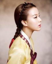 wear braids asian girl