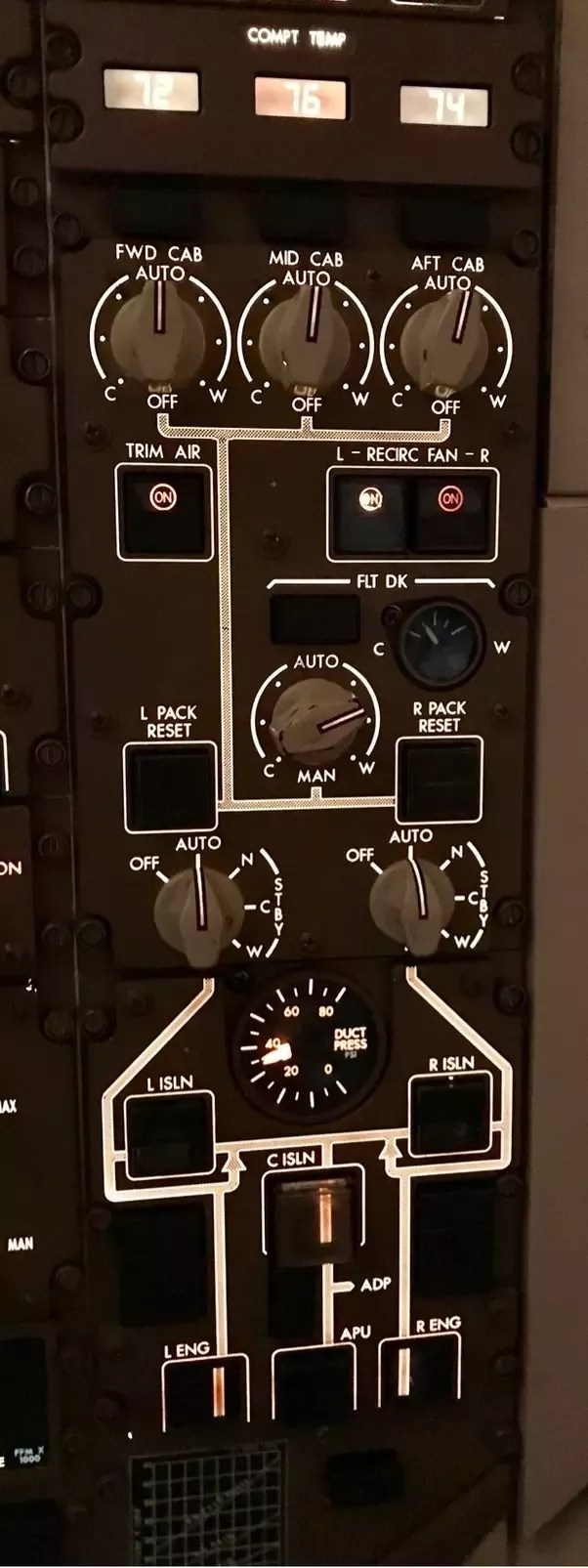 hight resolution of in this example the aircraft was at 37 000 feet the pressure differential between cabin and outside air is 8 7 psi and the cabin altitude is being