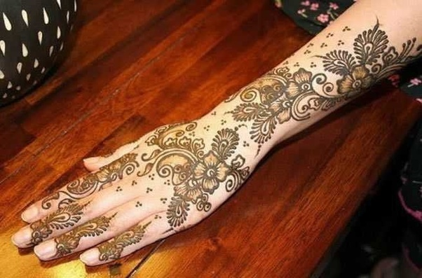 Royal Arabic Mehndi Back Hand Mehndi Design