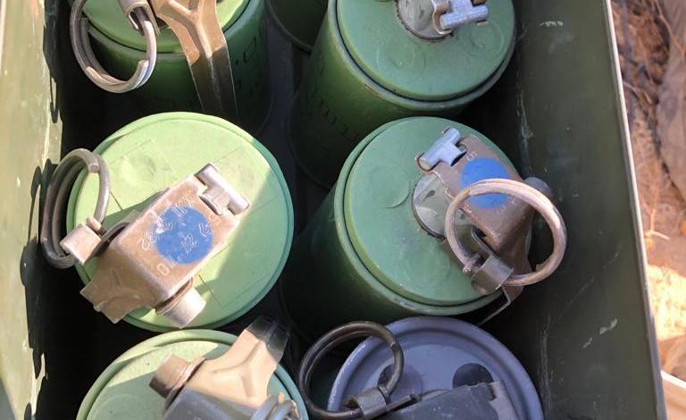 صورة العزازمة في النقب:  ضبط 7 قنابل دخان