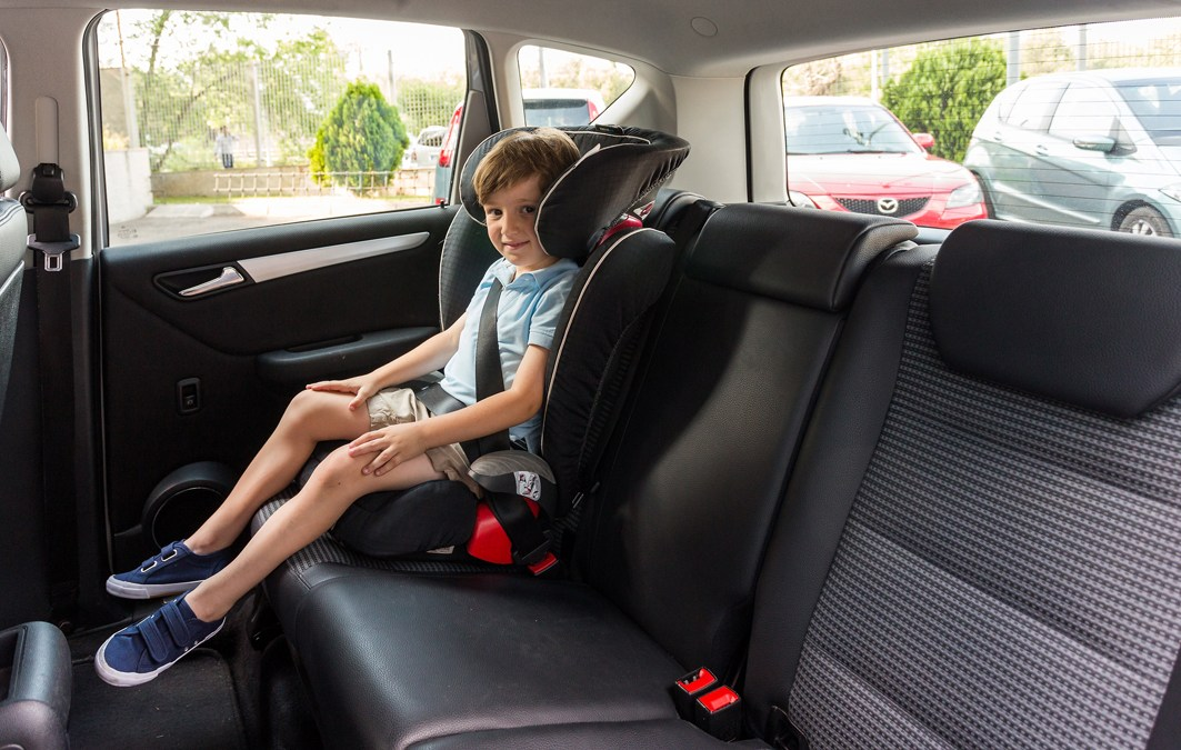 Reglas en carretera cuando viajas con menores de edad
