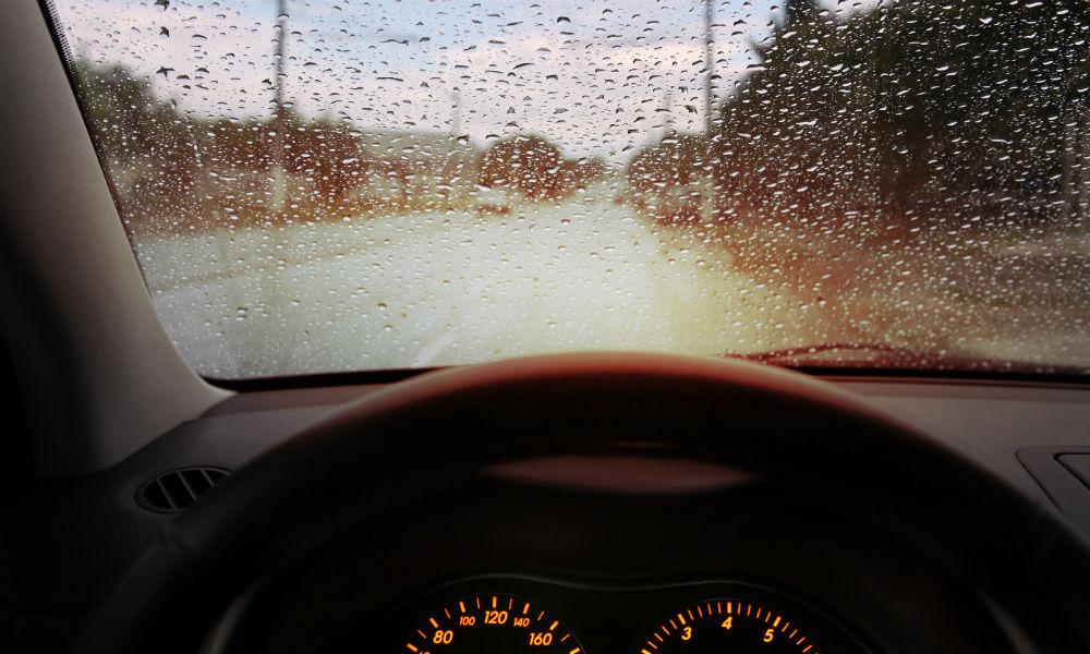 Cinco consejos para conducir con lluvia
