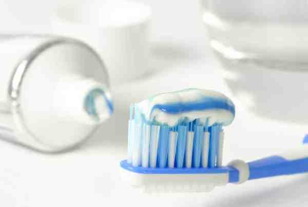 Zahnpasta mit oder ohne Fluorid