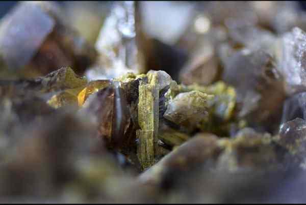 Der Axinit – mit Druck gegen Druck