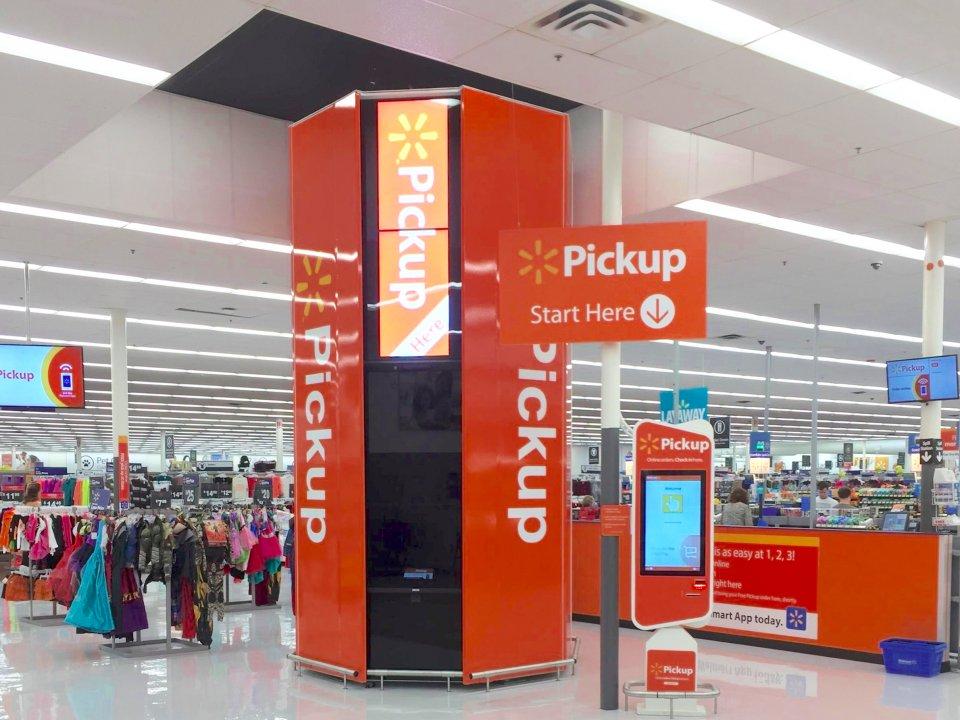 Walmart S Vp Of E Commerce Talks Pickup Towers Fierceretail