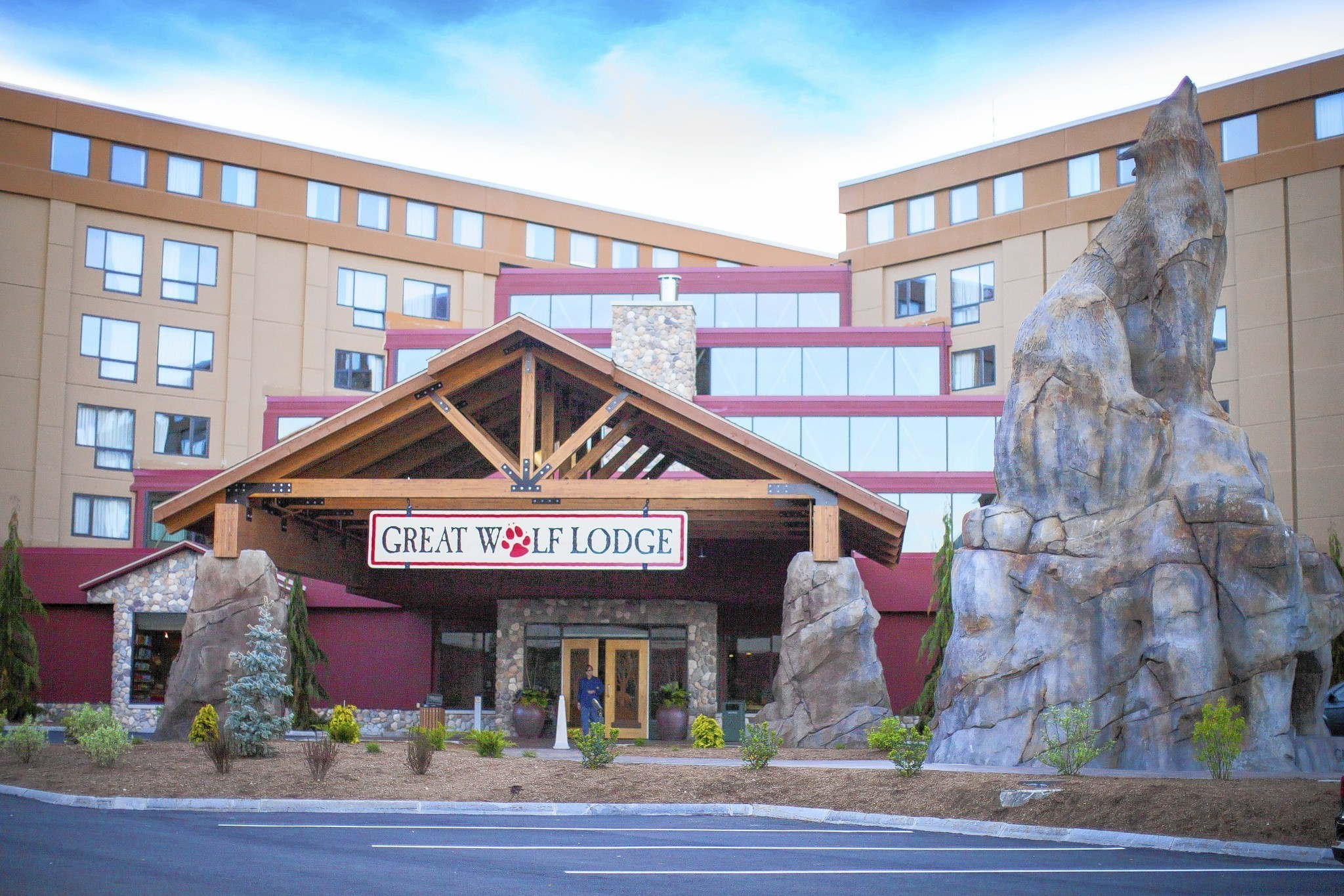 Great Wolf Resorts names Murray Hennessy CEO  Hotel Management