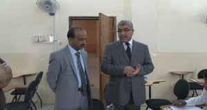 الاستاذ الدكتور احسان كاظم القرشي رئيس الجامعة يزور كلية القانون للاطلاع على سير الامتحانات للدور الثاني