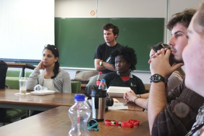Quinnipiac University students and University of Pretoria students meeting to learn from one another.