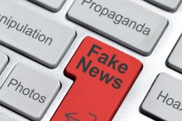 Teclado con tecla Fake News