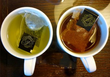 Black-tea-and-green-tea-2
