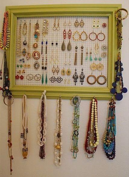 Moldura como organizador de bijuterias