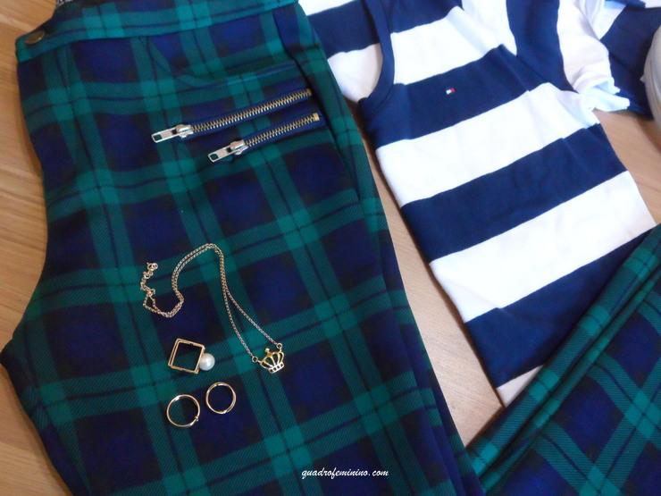 Calça xadrez, camisa Tommy Hilfiger e sapatilha Piccadilly