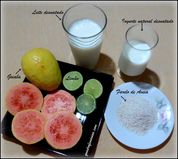 Smoothie de Goiaba, Iogurte e Farelo de Aveia