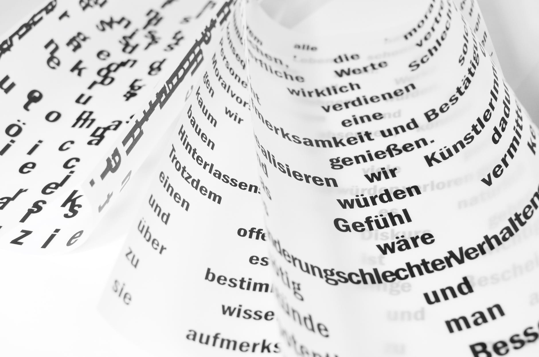 Lingua madre, il romanzo di Maddalena Fingerle che pensa il linguaggio