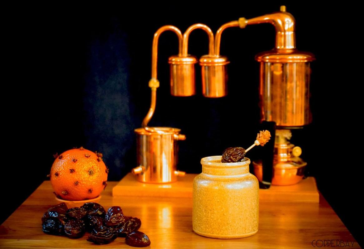 Léonie: Bourbon infusé pruneaux, Liqueur 44, Dubonnet