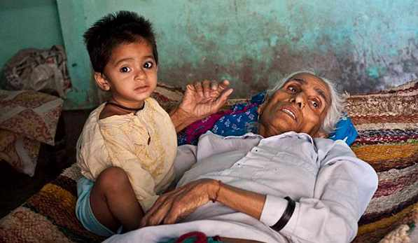 World's oldest mother to deliver first baby
