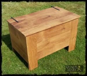 Coffre médiéval en bois