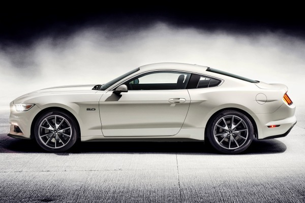 Ford and Tweedle launch new Mustang Owner app featuring Mustang trivia, wallpapers and ringtones.