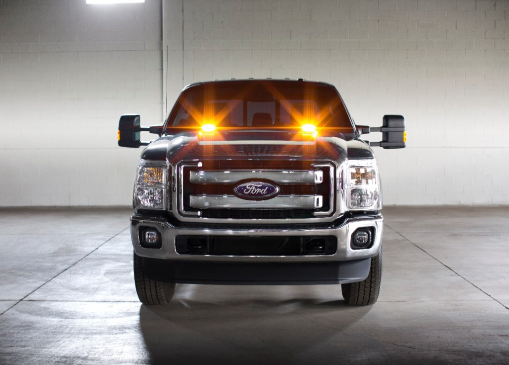 APR 27, 2015 | DEARBORN, MICH. NEW FACTORY-INSTALLED STROBE WARNING LED LIGHTS AVAILABLE ON ALL 2016 FORD F-SERIES SUPER DUTY TRUCKS