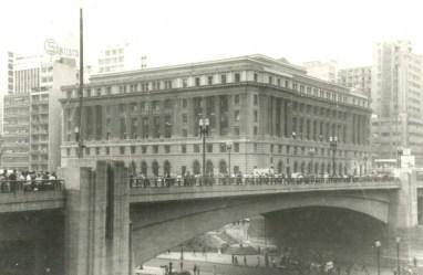 57 - viaduto do Chá e prédio da Light (14/2/1962)