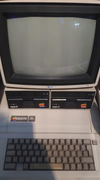 The Apple 2 Computer. Are we in the phase before Quantum Computing becomes the new technological revolution?
