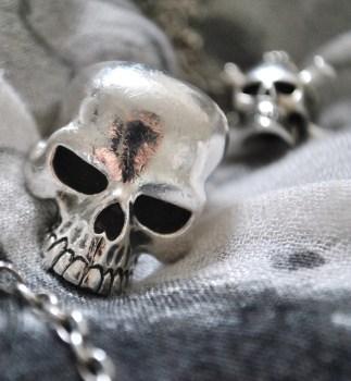 silver-skull-ring