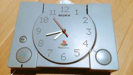 transformer-playstation-en-horloge-video