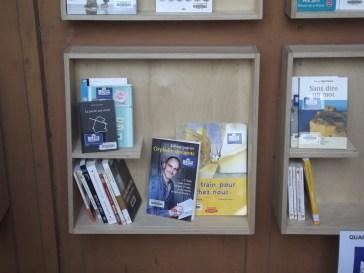 Zoom Bibliotheque de rue au Centre Pénitentiaire des Femmes de Rennes installées le 26 février 2016 (c) Charles Motte