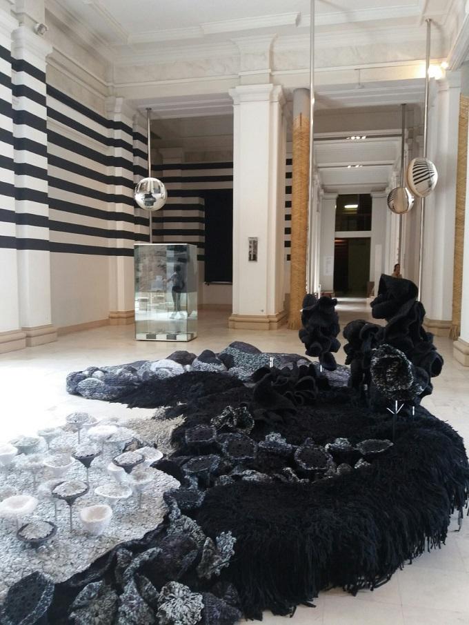 Obras de Ana Maria Tavares expostas no Masp