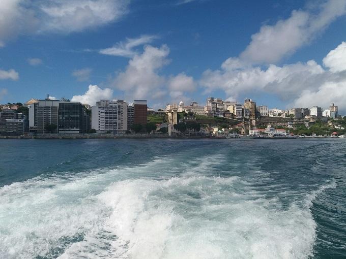 Vista do catamarã de Salvador a Morro de SP