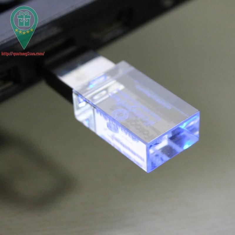 USB qua tang USB gia re Mau 07 05