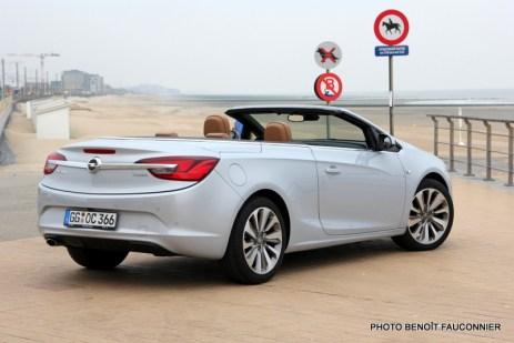 Opel Cascada (1)