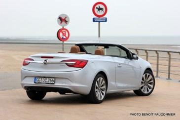 Opel Cascada (9)