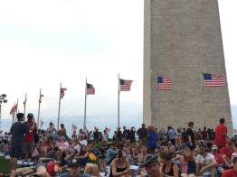 QUE.com.WashingtonDC.10.Monument.Crowd.06