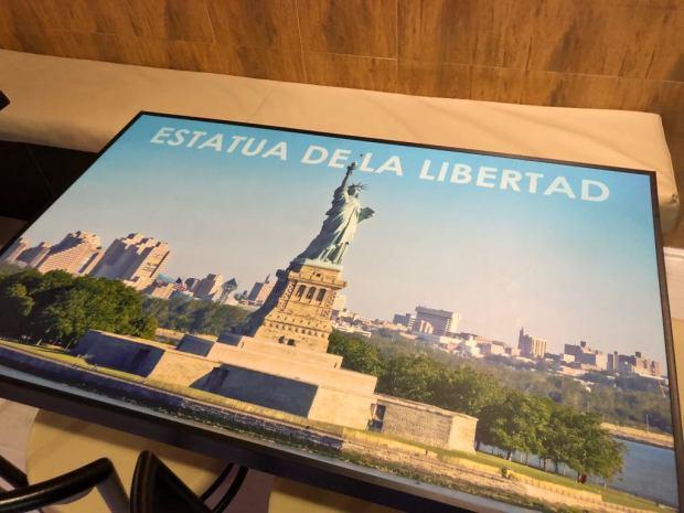 Mesa tematica Amerikana grill estatua libertad