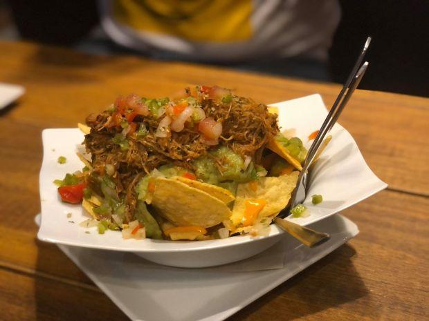 plato de nachos terraza geiser