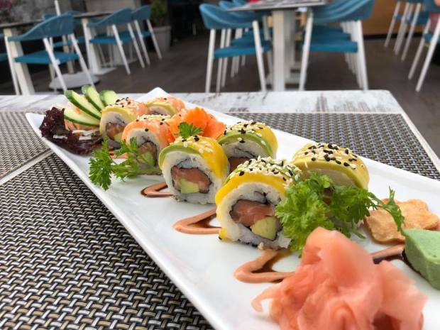 Plato de sushi restaurante tex-mex