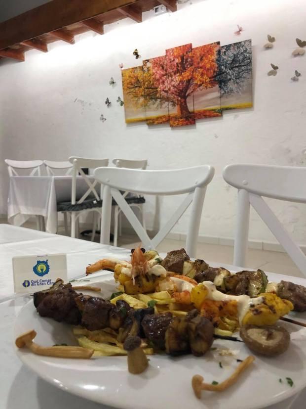 brochetas solomilo y pollo restaurante grill
