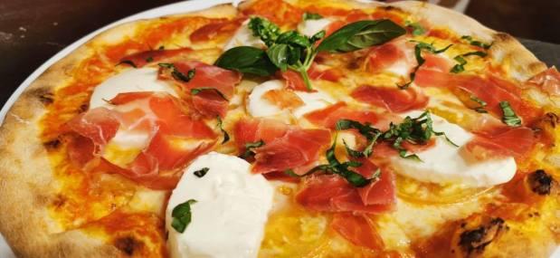 pizza caprese isola bella pasta y pizza