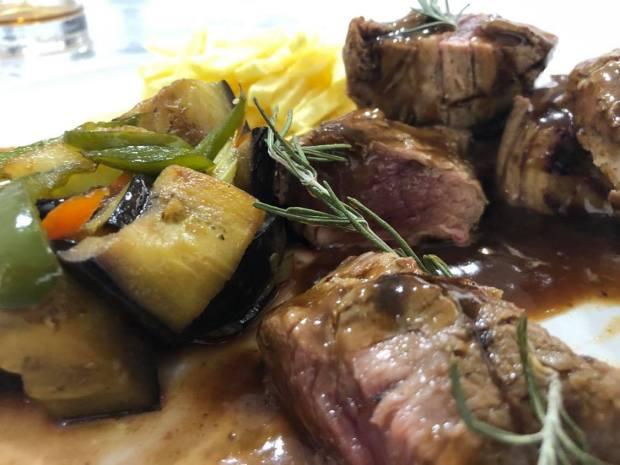 solomillo de cerdo con salsa de higos restaurante grill
